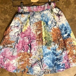 CLEARANCE ♦️New! Beautiful Print Skirt